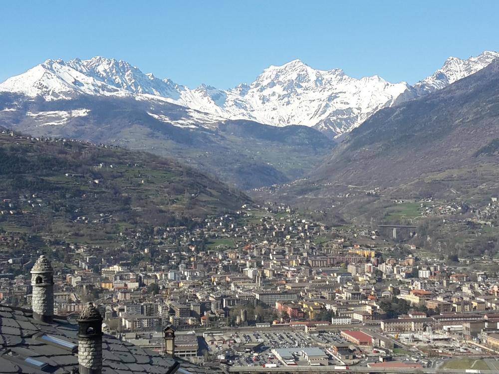 Vista di Aosta da Charvensod