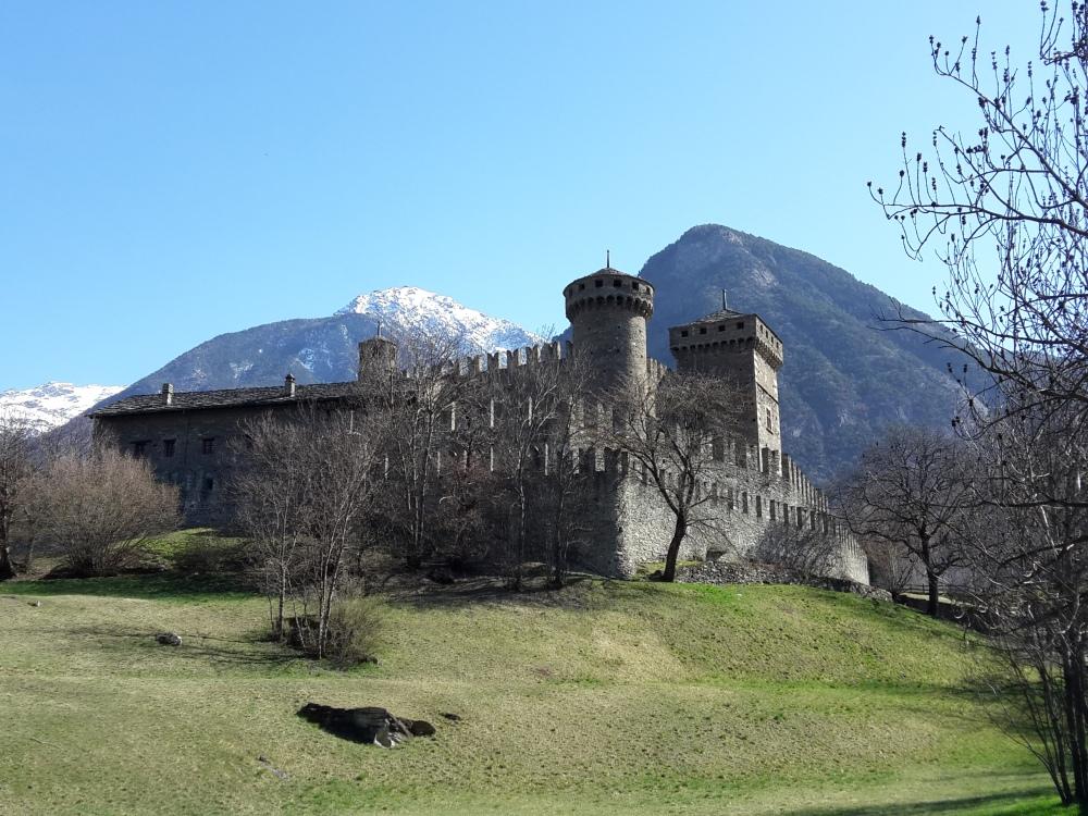 Veduta Castello di Fénis
