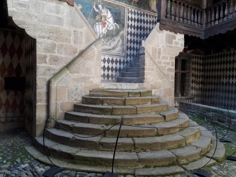 cortile del Castello di Fénis Aosta