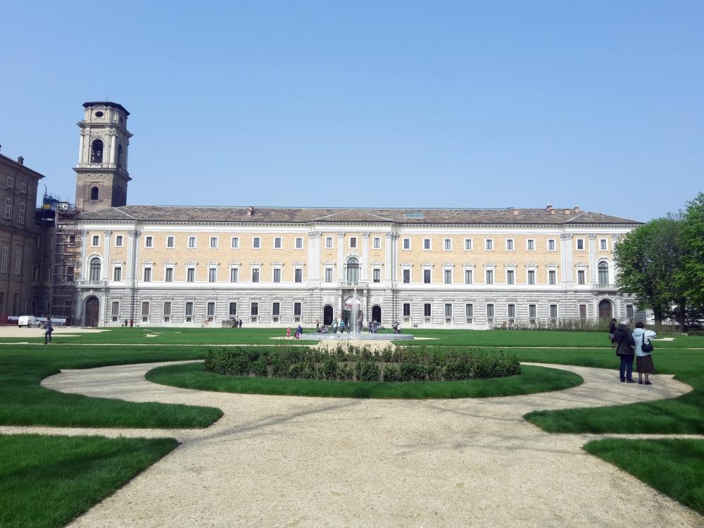 Vista della Galleria Sabauda dai Giardini del Duca di Torino