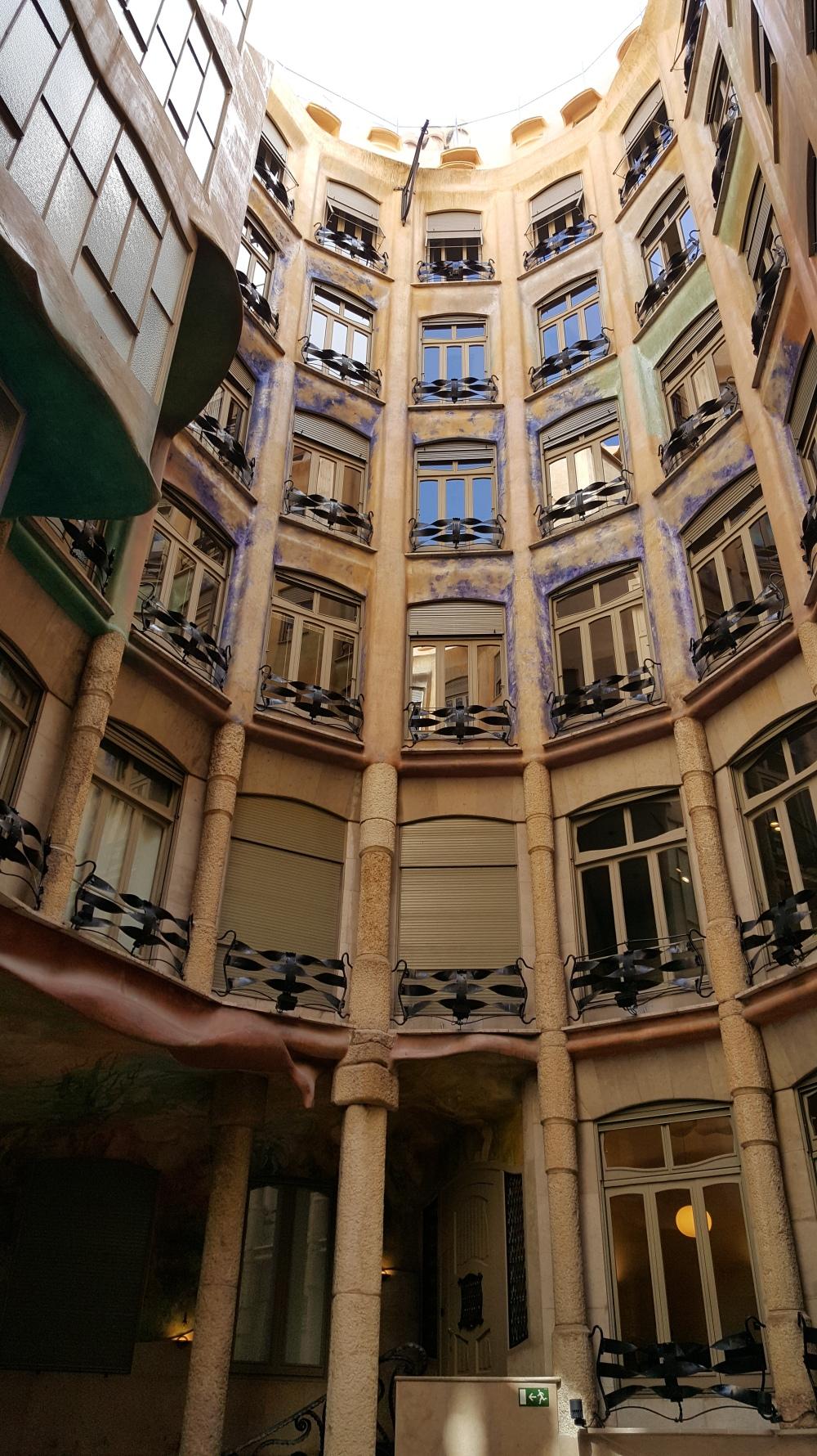 Casa Mila cortile Gaudi Barcellona