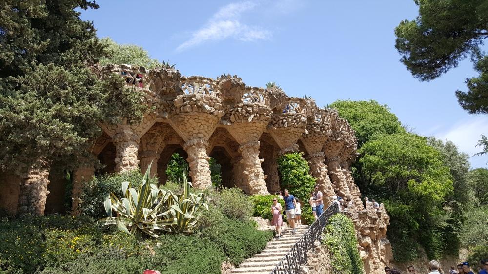 Park Guell portico zona pubblica Barcellona
