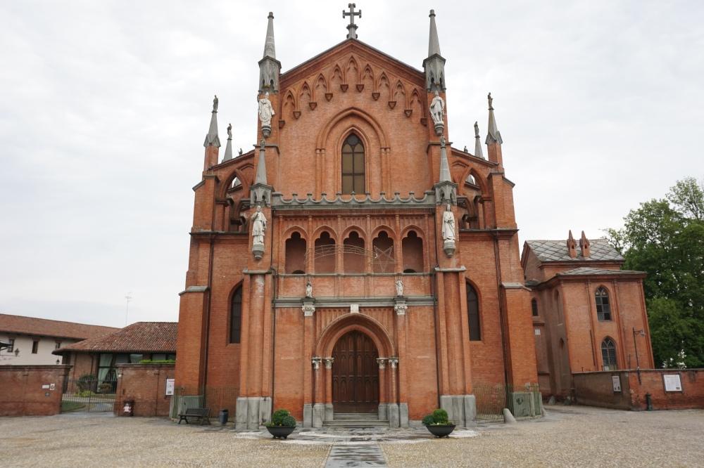 Chiesa di Pollenzo Cuneo Langhe Piemonte
