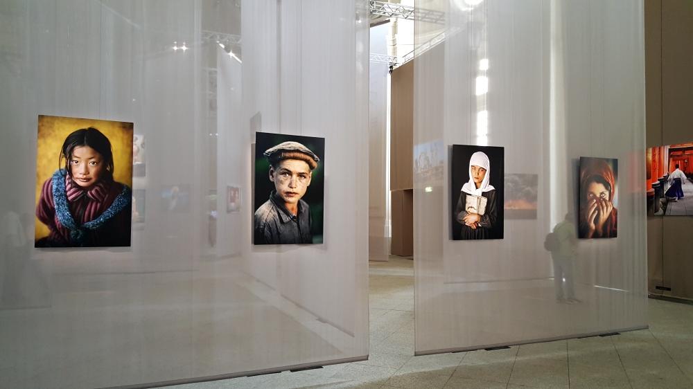 Fotoritratti mostra fotografica Steve McCurry Torino