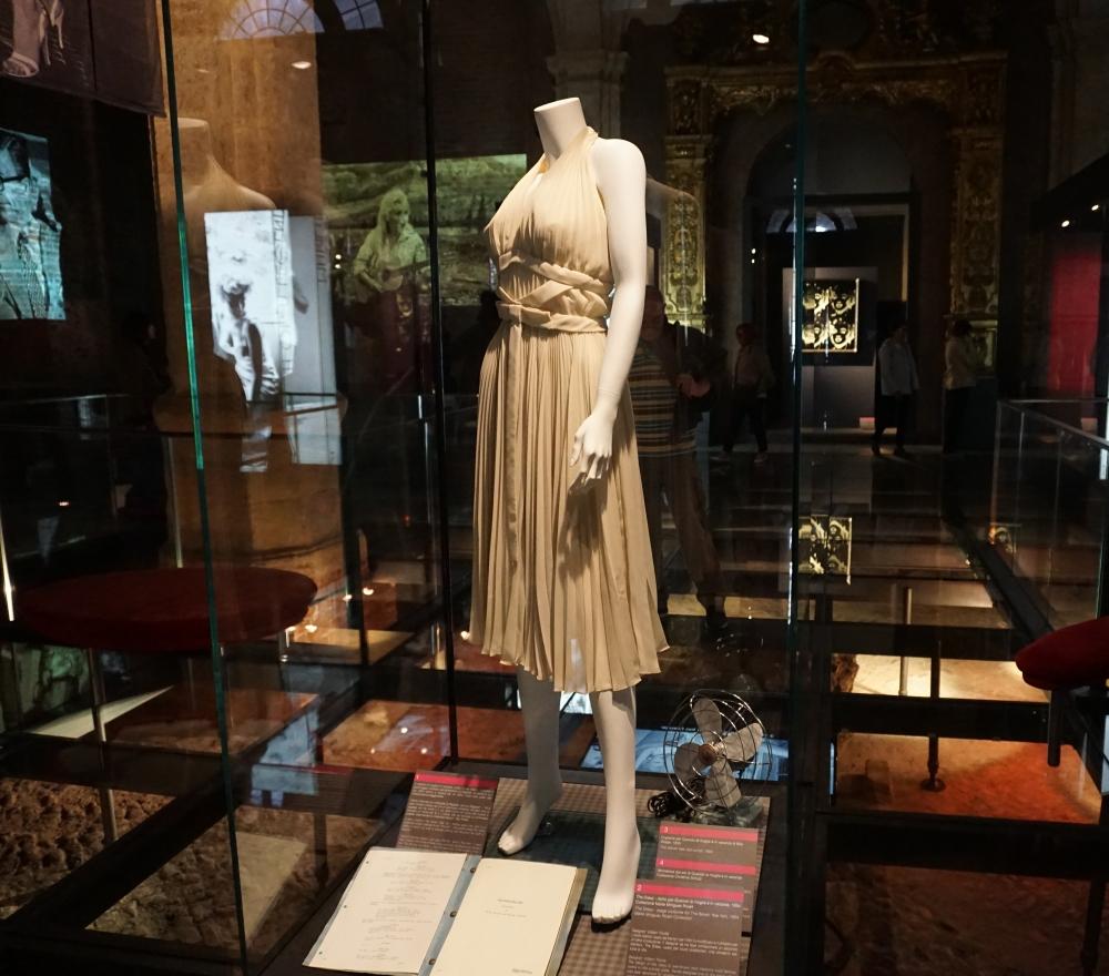 Vestito Bianco Marilyn Monroe Mostra Palazzo Madama Torino