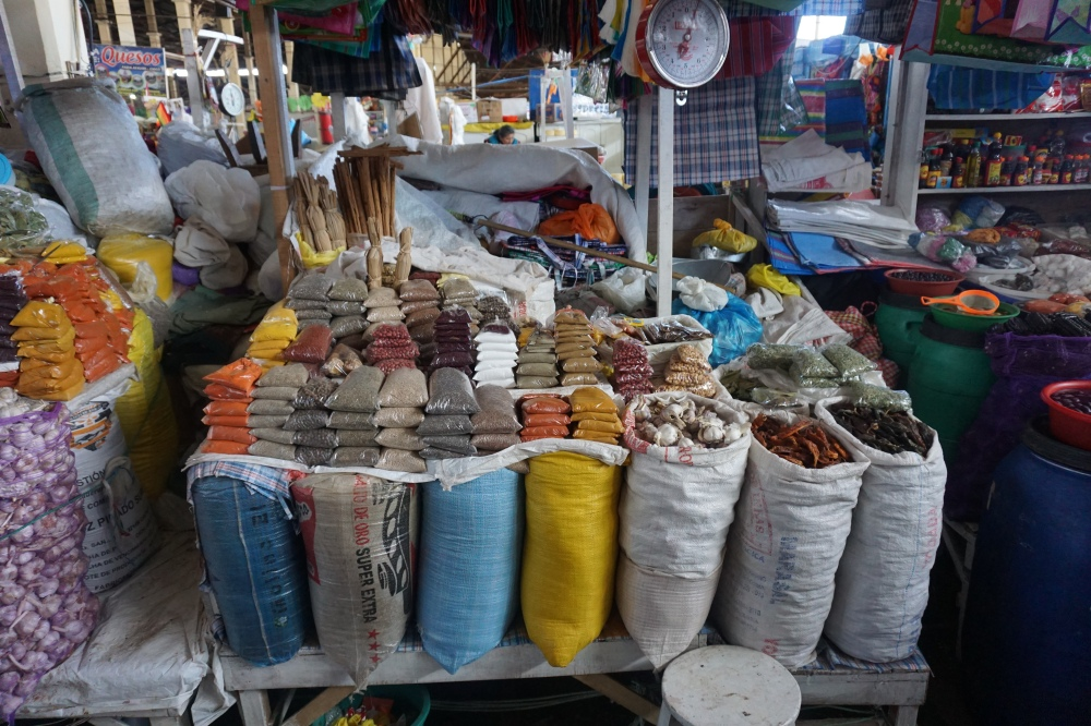 Mercato-mercado San Pedro-Cusco-Perù-Sud America-viaggio di nozze