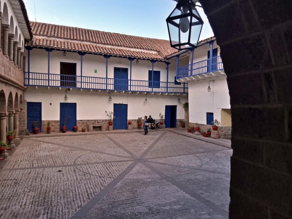 architettura coloniale-architettura-museo-mostra-Cusco-storia di Cusco-Perù-America Latina