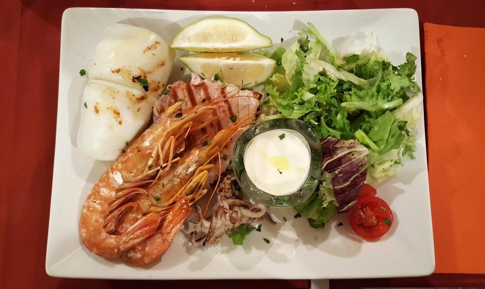 Secondo piatto-pesce arrosto-ristorante scialai-Ortigia-Siracusa-Sicilia