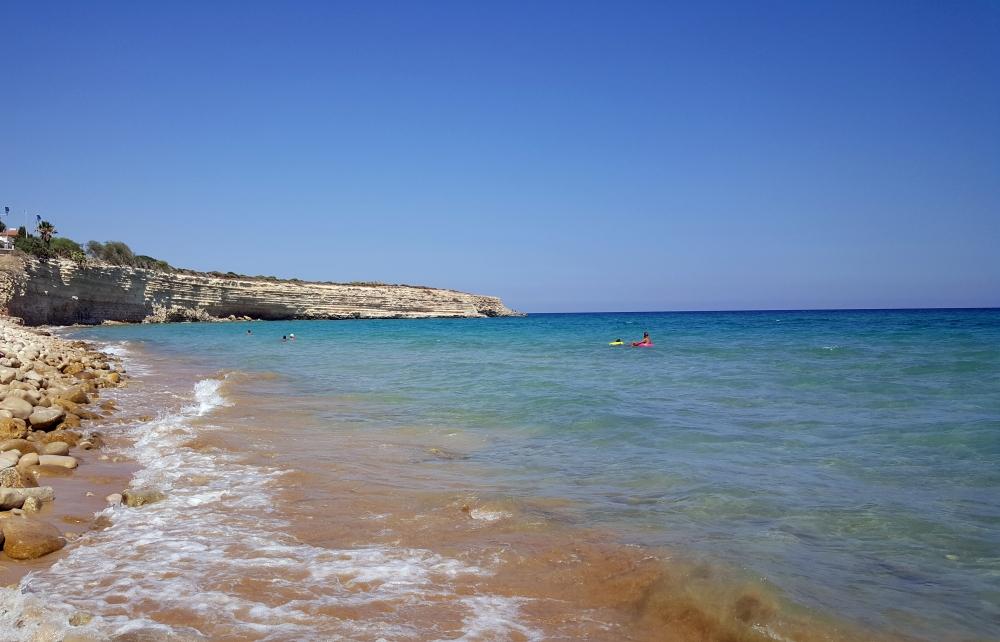Spiaggia di Gallina-Costone roccioso-Estate-Sicilia