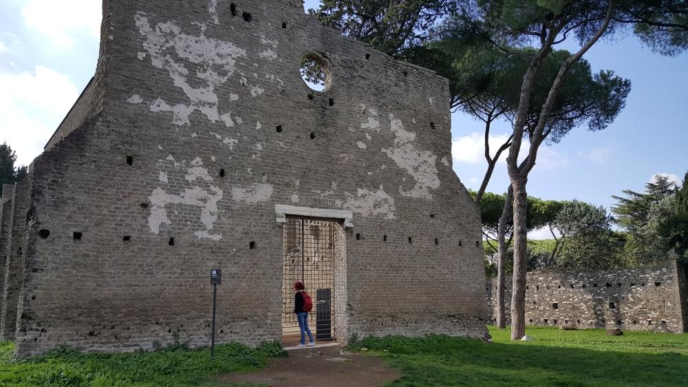 Chiesa di San Nicola-Parco dell'Appia Antica-Gotico cistercense-Roma
