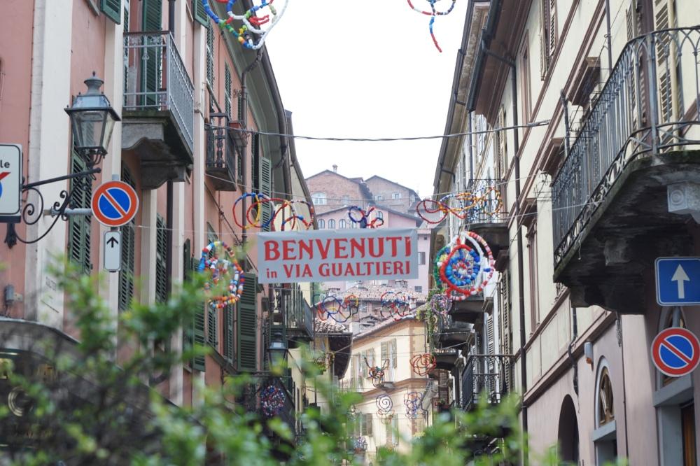 Borgo-Piemonte-Cuneo-Saluzzo-Arte pubblica-Centro storico-Turismo