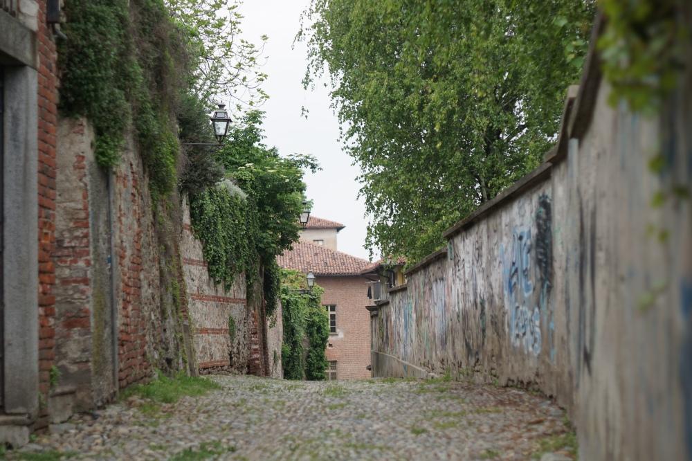 Saluzzo-Cuneo-Piemonte-Borgo antico-Centro storico-Borgo medievale