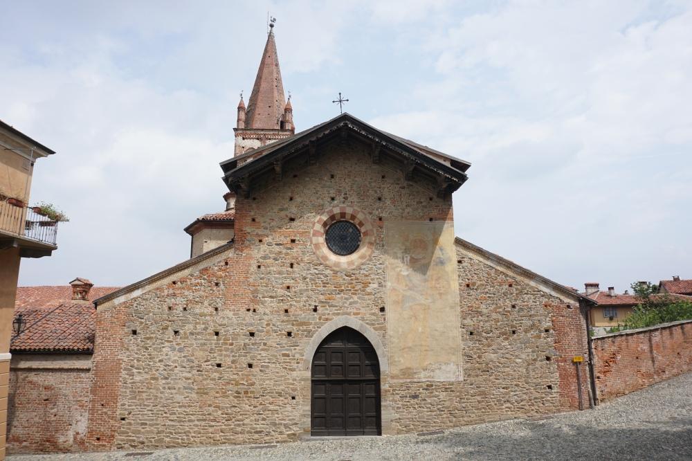 Chiesa-Architettura medievale-Borgo-Centro storico-Saluzzo-Cuneo-Piemonte