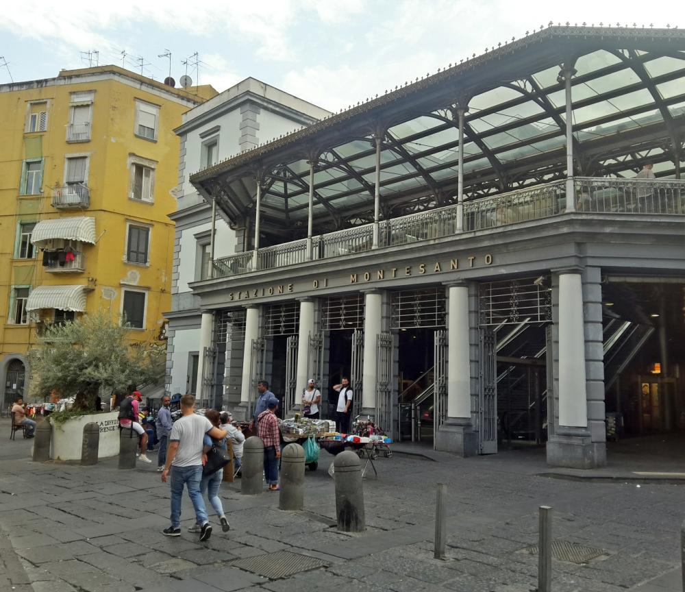 Napoli-Visitare Napoli-Cosa vedere a Napoli-Un giorno a Napoli-Giro a Napoli-Tour-Città-Sud Italia-Viaggiare-Blog cultura-Architettura