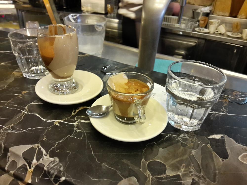 espresso napoletano-caffè espresso-caffè-espresso-gastronomia-Napoli-Viaggio a Napoli-Cosa fare a Napoli-Un giorno a Napoli-Visitare Napoli-week end a Napoli
