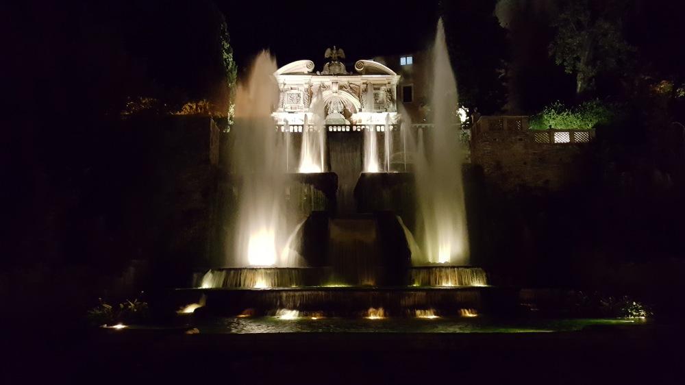 Fontana di Nettuno-Villa d'Este-Giochi d'acqua-Architettura-scultura-Tivoli