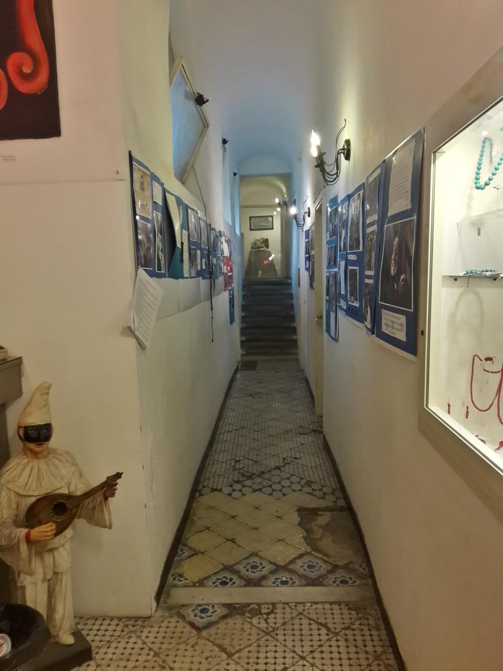 Napoli-Viaggio a Napoli-Cosa vedere a Napoli-Visitare Napoli-Palazzo Venezia Napoli-Palazzo Venezia-Architettura-Arte-Napoli-Viaggiare-Fotografia