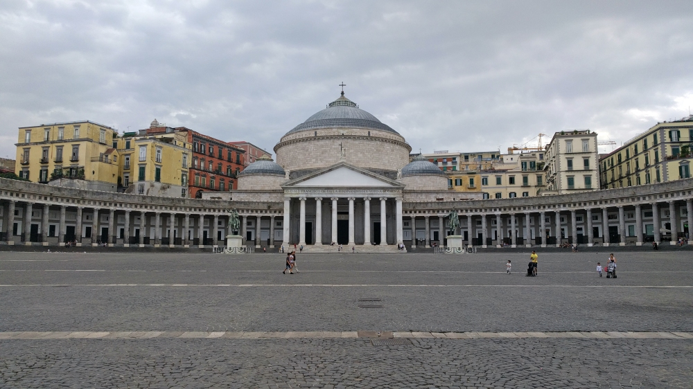 Piazza del Plebiscito-Basilica di San Francesco di Paola-Napoli-Viaggio a Napoli-Vedere Napoli-Visitare Napoli-Centro storico-Viaggio culturale-Blog cultura