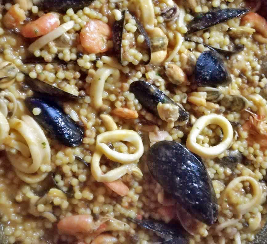 Piatto tipico sardo-Cosa mangiare in Sardegna-Viaggio in Sardegna-Gastronomia Sardegna-Vacanza in Sardegna-Blog viaggi-Fregola-Sardegna-Sassari-Oristano-Nuoro