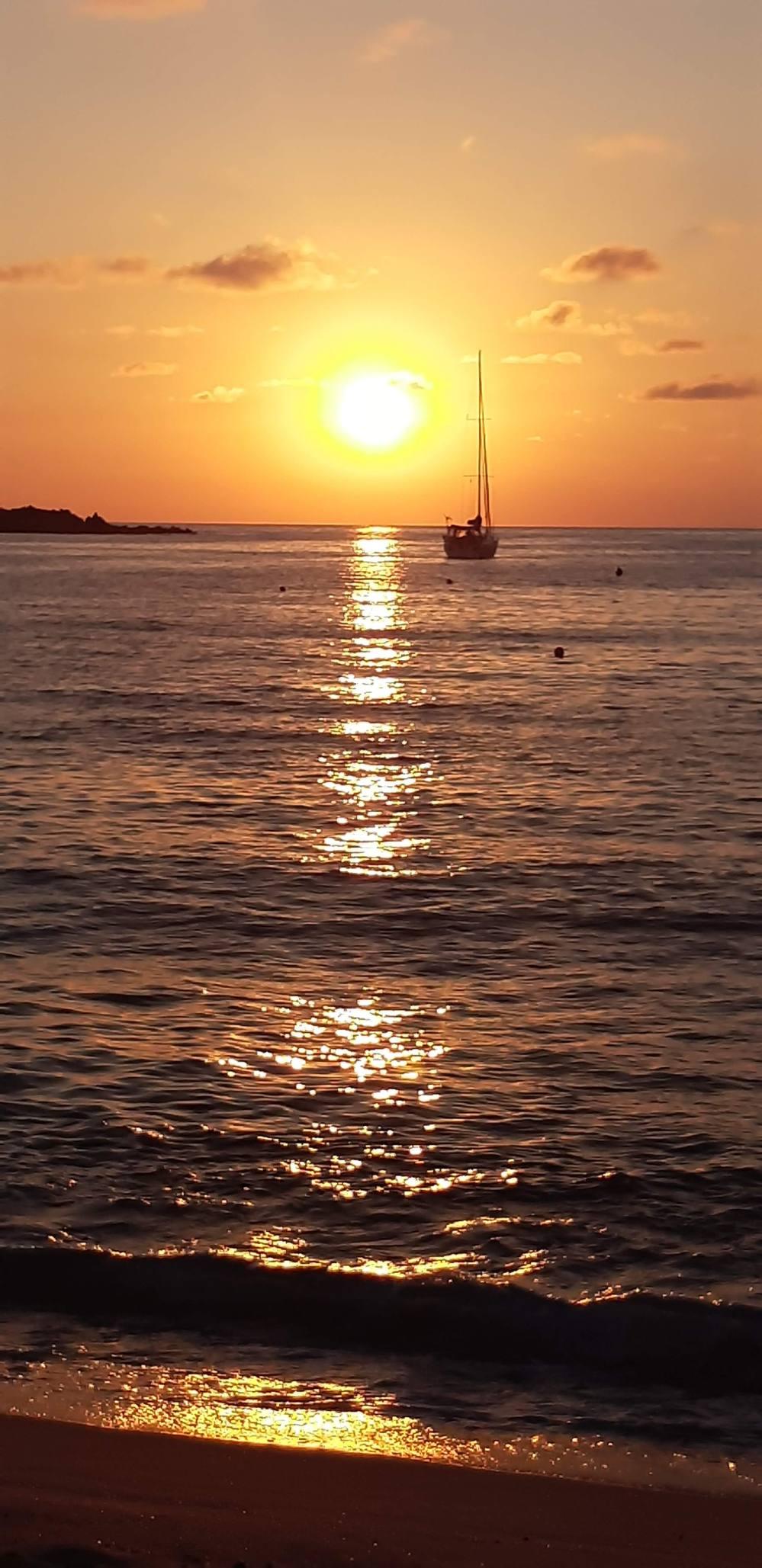 Isola Rossa Sardegna-Isola Rossa-Sardegna-Viaggio in Sardegna-Tramonto in Sardegna-Mare Sardegna-Spiagge Sardegna-Blog Viaggi