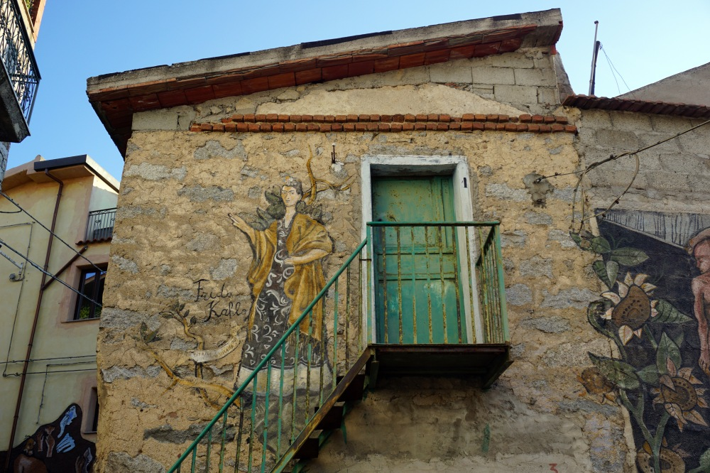 Viaggio in Sardegna-Estate in Sardegna-Borghi Sardegna-Orgosolo-Nuoro-Sardegna-Frida Kahlo-Murales Orgosolo